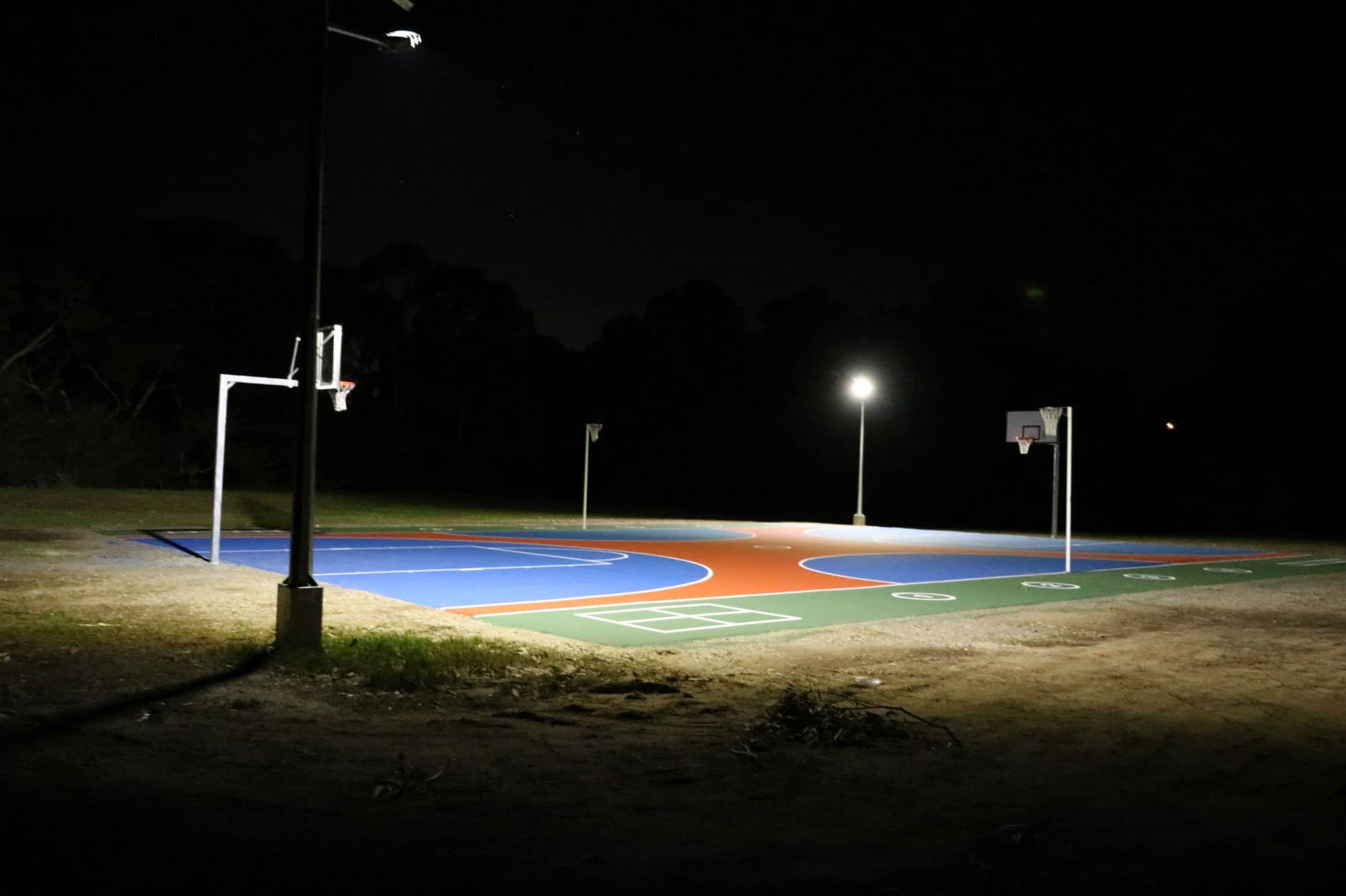solar powered basketball court lighting - Hewett SA